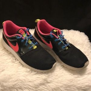 Nike Roshe One GS Sneakers Sz 6Y  EUC